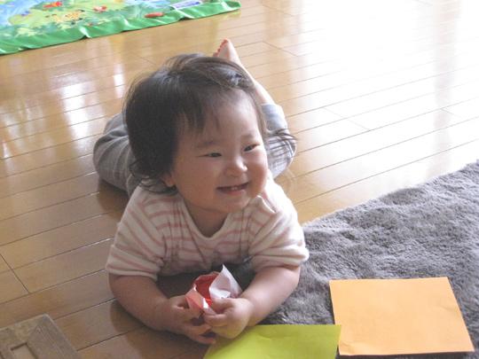 折り紙で遊ぶ ポニョ